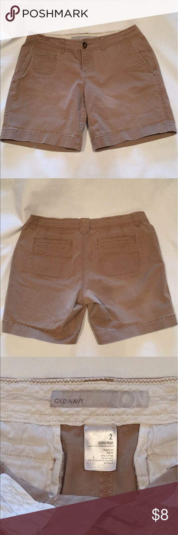 Womens Khaki Shorts Old Navy 2 Comfy low rise shorts gently worn. Old Navy Shorts