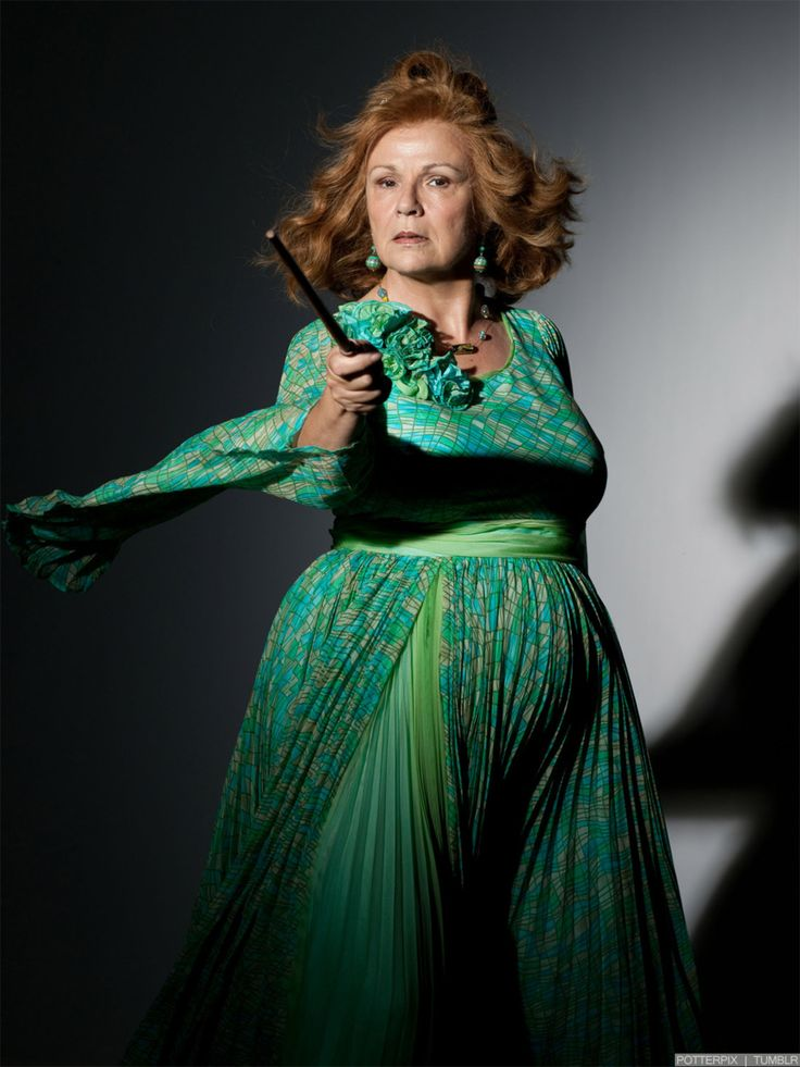 harrypotterconfessions: wardrobe appreciation...  alicebeckstrom: looks like Molly Weasley went to Glamour Shots ;)