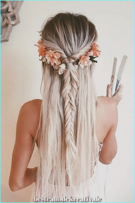 59 wunderschöne Muster für Hochzeitsfrisuren mit Blumen, die Ihren Look besonders machen  #besonders #blumen #hochzeitsfrisuren #ihren