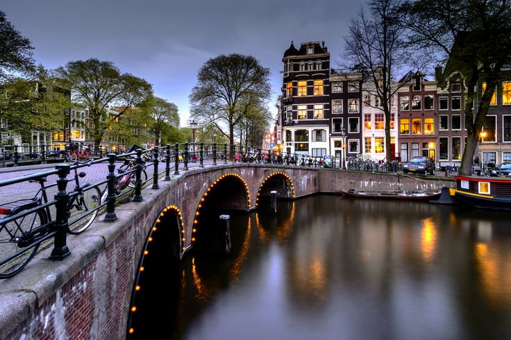 Photo Lights on the bridge by Angel  Flores on 500px