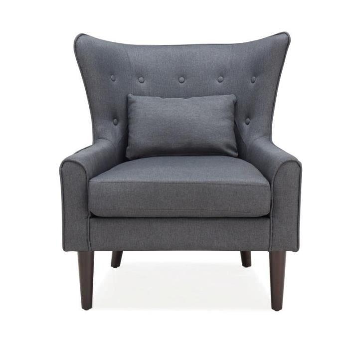 Magnifique fauteuil avec une large assise confortable et le dossier enveloppant capitonné  - une vraie invitation à la détente. Notre fauteuil CHRIS est idéal pour les intérieurs contemporain ou classique, mais son design s'adapte à tous les styles.