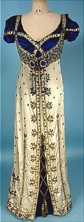 Madame de Bittencourt's dress