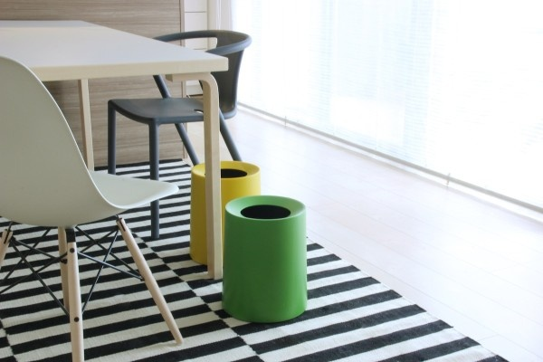 Tubelor Homme is a minimalist waste bin created by Osaka-based firm Ideaco. The re-introduction of the Tubelor in an even larger size gives testament to the on-going success of the red dot design winning trash can.