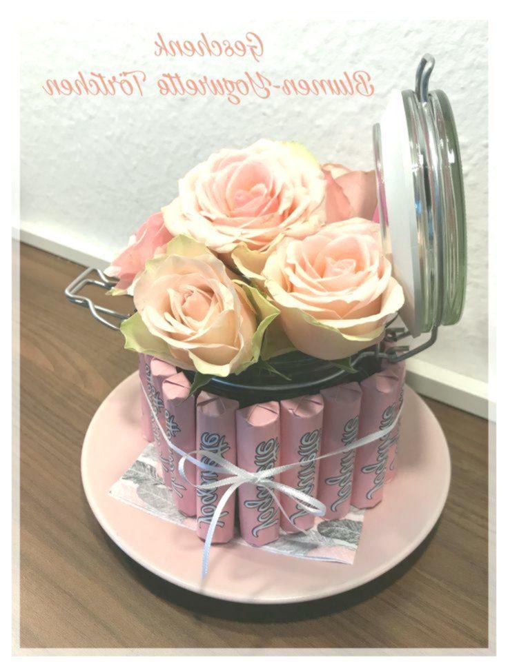 Yogurette Torte gebastelt mit echten Blumen Rosen als Geschenk oder Mitbringsel,  #als #Blume…