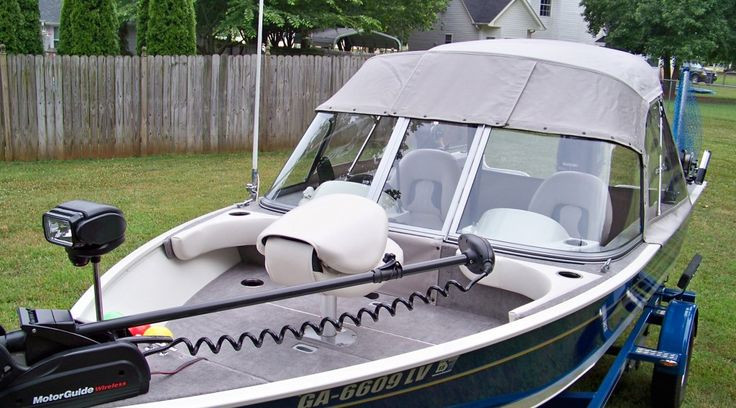 Convertible Top for fishing boat