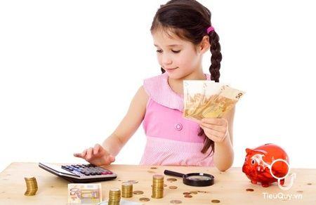 Dạy trẻ tiết kiệm và quản lý tài chính từ tiểu học