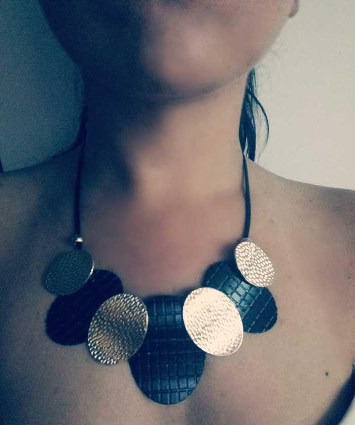 Maxi collar negro/dorado
