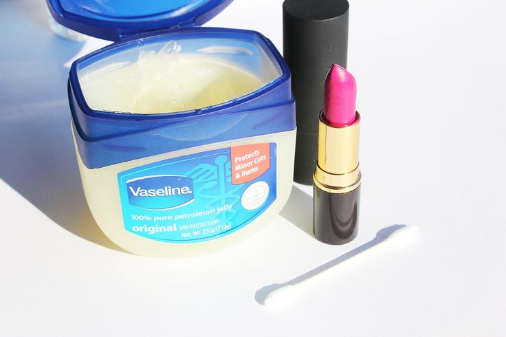 Vaseline isa lot more than a cure for dry skin. But uses in makeup and beauty are hidden and known only to a few.Let's get started with the Vaseline beauty secrets