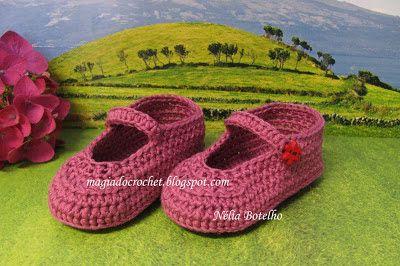 Magia do Crochet: Sapatinho e sandália em crochet para bebé