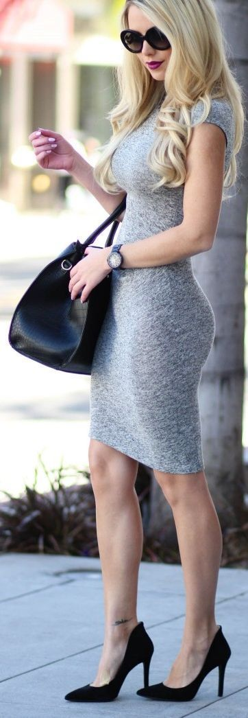 A Perfect Casual Grey Bodycon Dress That One Can Wear In Summers And Giving Touch By a Black Bag, Shades And Heels