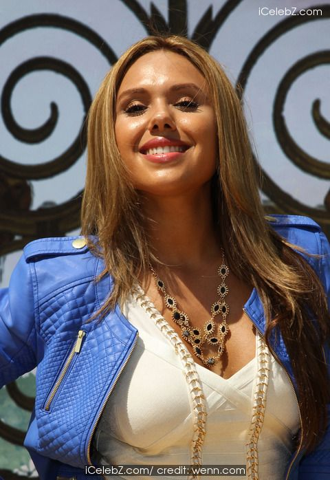 Kristinia Debarge 'Legends of Oz: Dorothy's Return' premiere - Arrivals http://www.icelebz.com/events/_legends_of_oz_dorothy_s_return_premiere_-_arrivals/photo16.html
