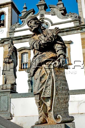 Os Doze Profetas - Ezequiel... Arte Barroca - Escultura em pedra sabão por Antonio Francisco Lisboa - O Aleijadinho -  Congonhas do Campo - Minas Gerais - Brasil.