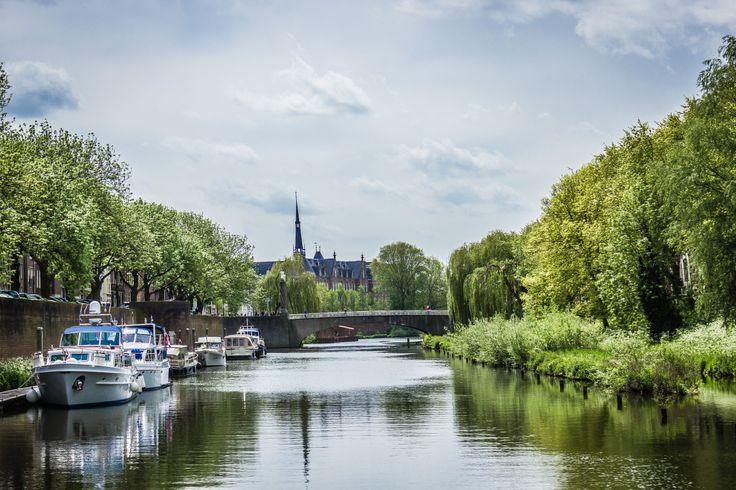 Varend door 's-Hertogenbosch.