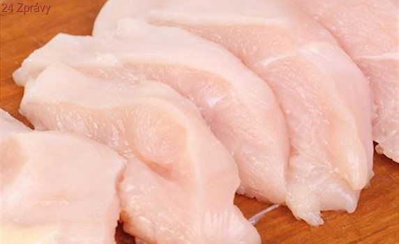 Do domácností se dostaly skoro 2 tuny kuřecího masa se salmonelózou, varují veterináři