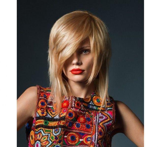 Modne fryzury 2016 - trendy we fryzurach damskich dla średnich i długich włosów. Przegądamy katalog fryzur 2016, fryzury półdługie i długie - cieniowane, z grzwką, bob, asymetryczne.
