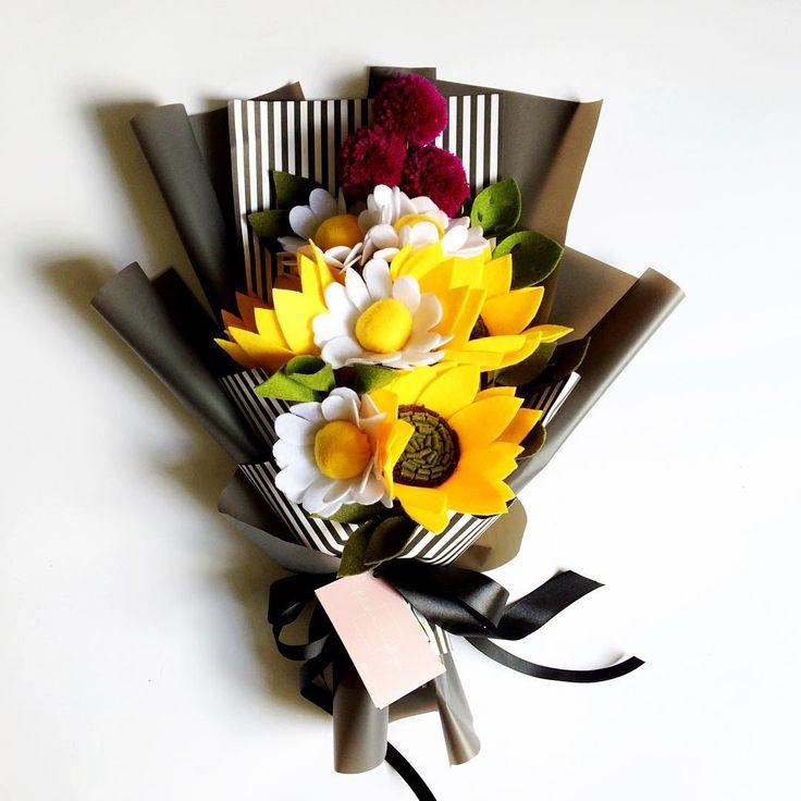 Happy sat-ur-day!! #fleurifymediumplus . . #flower #wedding #bouquet #florist #feltflower #feltflorist #feltbouquet #feltsunflower #bungaflanel #bungaflaneljogja #bungawisuda #bungawisudajogja #bungajogja #bouquetbunga #bouquetjogja #bungakertas #paperflower #buketbunga #makersgonnamake