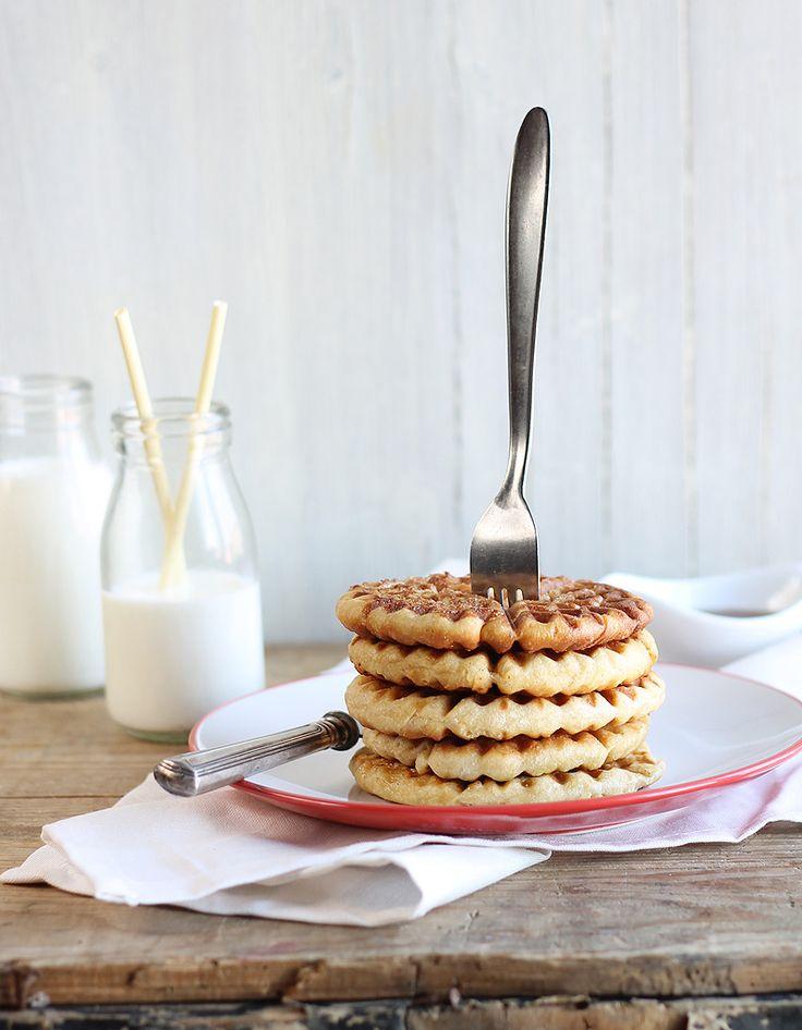 Recette Gaufres au lait de coco et citron vert Thermomix : Mettez la farine, la levure, le sucre, les œufs, le beurre fondu, le lait, le lait de coco et le zes...