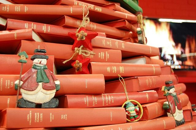 14 Of The Best Christmas Trees Made Of Books