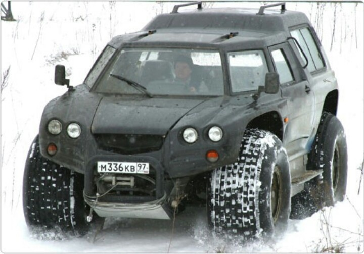 Russian Survival Vehicle - Aton Impulse Viking-2992 amphibious 4×4. Makes you want to pull a 'Crazy Ivan'!