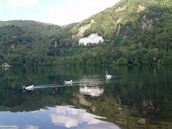 Monticchio's lakes (Basilicata -  South Italy)