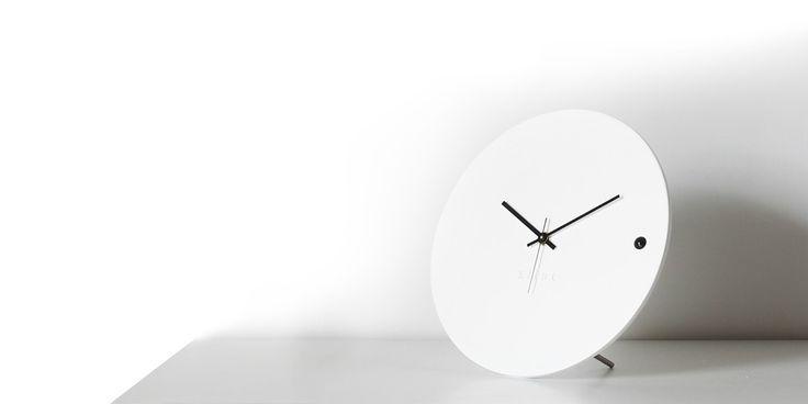Desk clock tre small white | xline