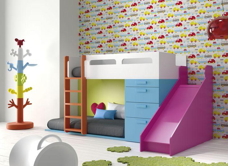 Litera con Resbaladilla. Combina espacio, diversión y almacenaje en una sola habitación.