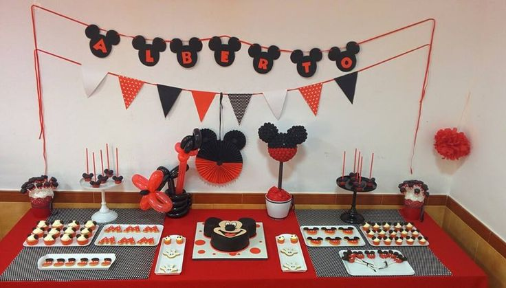 Sweet table Mickey Mouse (Violeta Dulce)