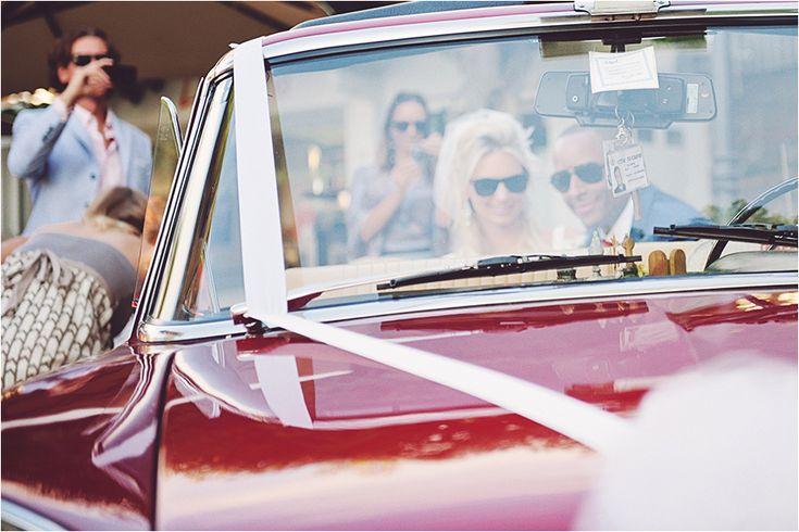 Nice vintage car for a glamorous Capri wedding!