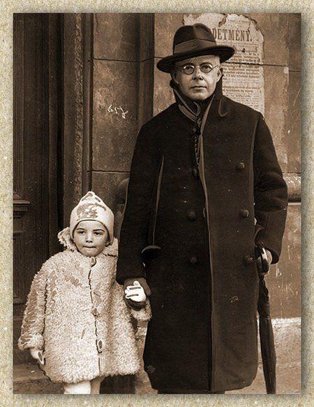 Béla Bartók with his son Péter, 1929