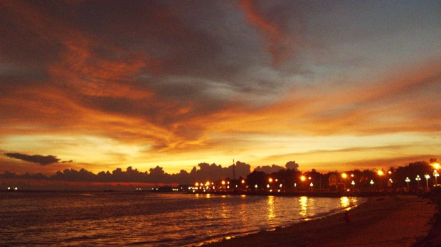 From Jhoan Torres, Toronto:    A beautiful sunset in Zamboanga City, Philippines 2009