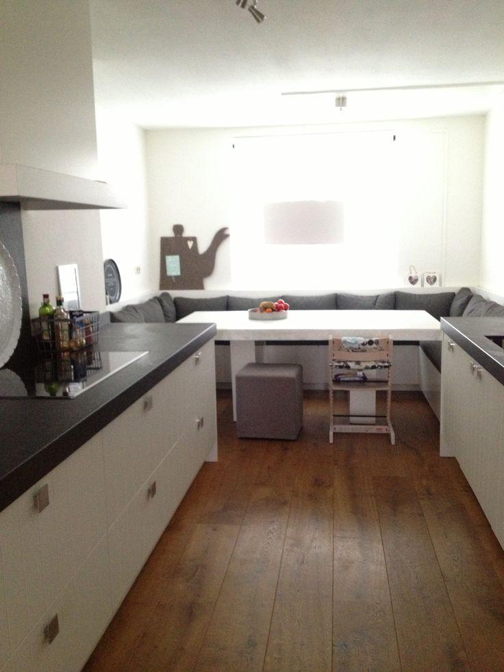 Meer dan 1000 idee n over keuken bartafel op pinterest keuken bars hanglampen en hanglamp - Eethoek in de keuken ...