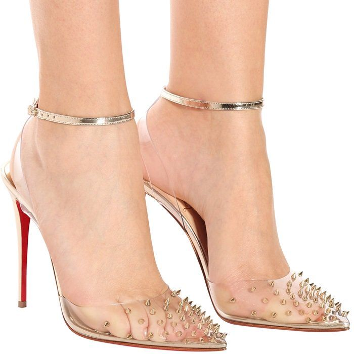A Light Gold Specchio Ankle Strap Appears To Float In Mid Air For A Retro Futuristic Look Mounted On A 100mm Heel Sapatos Sapatos Femininos Look