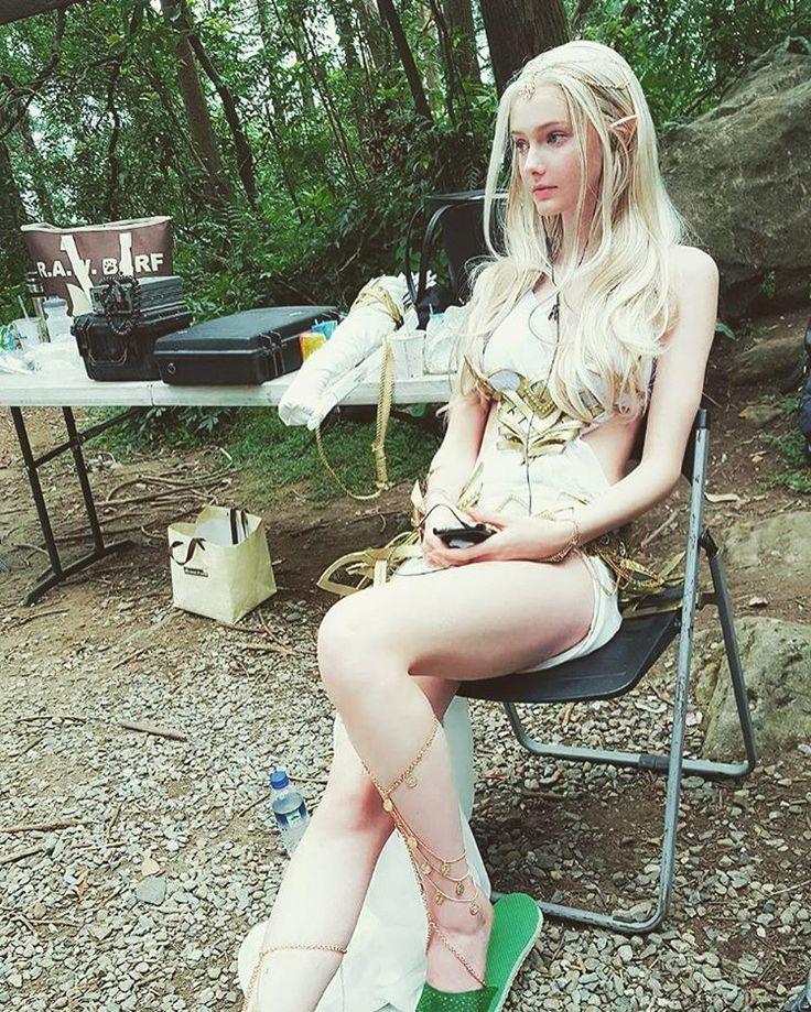 "4,193 次赞、 321 条评论 - Savanna Blade (@savanna_blade) 在 Instagram 发布:""#tb to shooting for #創世破曉 #G妹遊戲 (aka elves listen to Childish Gambino too)"""