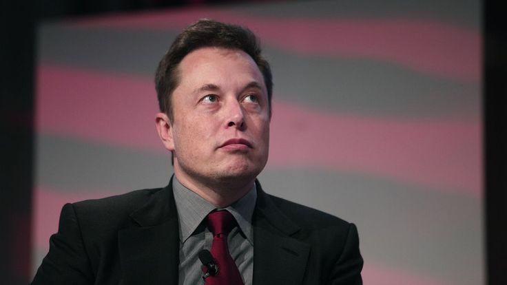 """""""Watch Elon Musk deliver the best tech keynote I've ever seen."""" Elon Musk om Tesla Energy - solenergi och batterier, titta och fundera.  http://www.theverge.com/2015/5/1/8527543/elon-musk-tesla-battery-feels"""