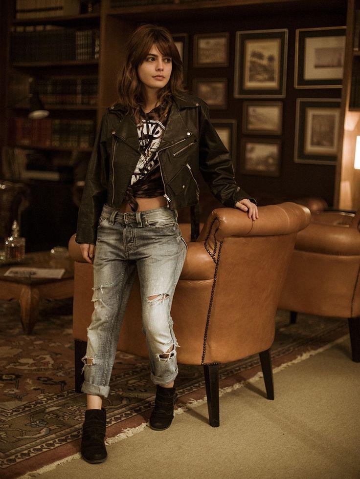 Camisa amarradinha, jeans destroyed e jaqueta de couro... Inspire-se no visual rocker de Nanda [Foto: Raphael Dias/Gshow]