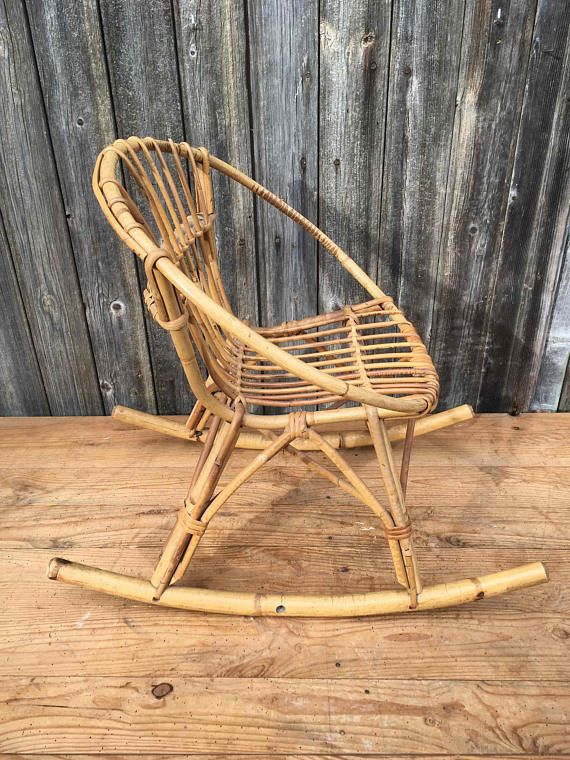 Petite Chaise A Bascule Rocking Chair Pour Enfant En Bambou Etsy Small Rocking Chairs Rocking Chair French Vintage