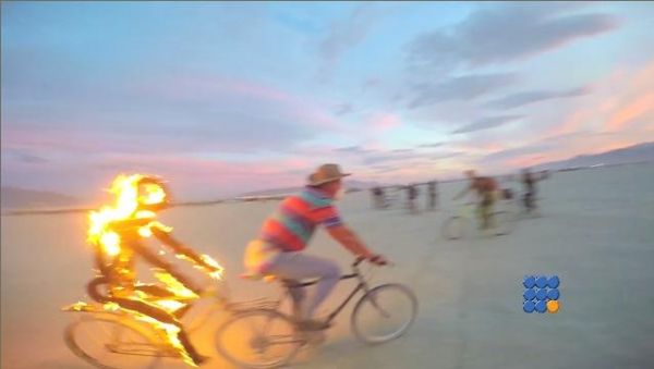 WebBuzz du 12/01/2017: Grande rencontre artistique aux USA Burning Man 2016-Burning Man 2016 Hula Hoop and Fire Cam  Pour vous rechauffer en plein Hiver, voici quelques images du Burning man 2016  http://noemiconcept.com/index.php/en/departement-informatique/webbuzz-tech-info/207623-webbuzz-du-12-01-2017-grande-rencontre-artistique-aux-usa-burning-man-2016-burning-man-2016-hula-hoop-and-fire-cam.html#video
