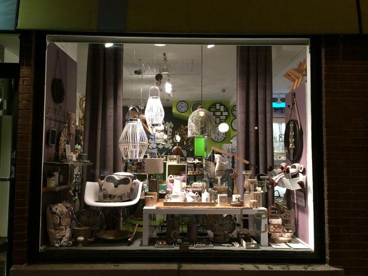 Notre vitrine d'automne, version chalet chic.  Boutique Casa Luca, 1354 rue Fleury est, Montréal, Qc.