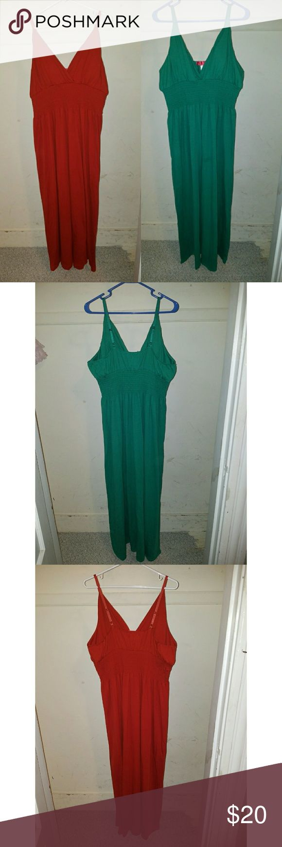 Maxi Dresses Size 2Xl/3XL Preowned Maxi Dresses Worn Once Shows Normal Wash And Wear in good condition.   Green maxi dress size 2Xl Red Orange maxi dress size 3XL Dresses Maxi