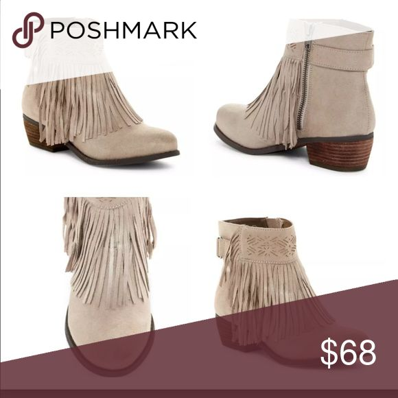 NEW IN BOX NOT RATED BUCKLE SHORT ANKLE BOOTS 10 NEW IN BOX NOT RATED BUCKLE SHORT ANKLE BOOTS SIZE 10 Buckle Shoes Ankle Boots & Booties