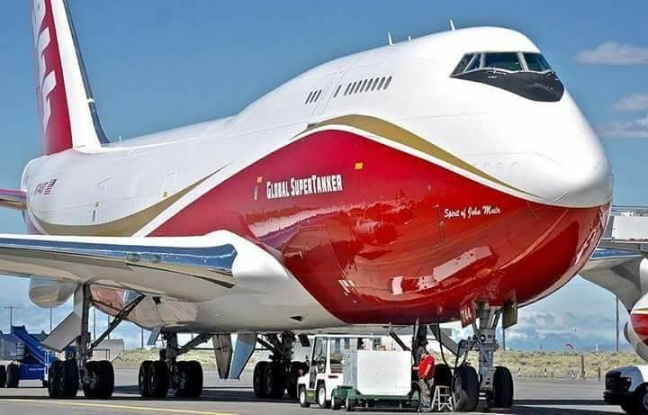 Boeing 747-400 Global Super tanker.
