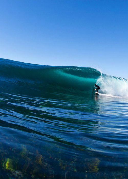 Brett Burcher, enjoying the peel of a reef to the south of Ulladulla