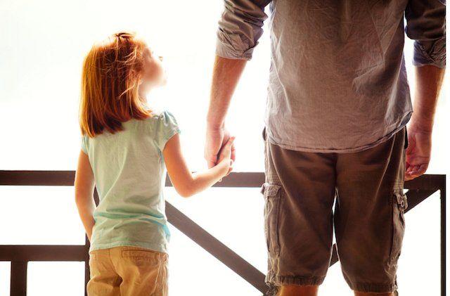 Rindu Kasih Sayang  Kau ajarkan ku bermimpi dan berbuat...  Kau ajarkan aku jadi yang terbaik...  Petuah nasihat, perintahmu...  Teringat kental dalam memori...  Hingga kini ku beranjak dewasa...  Aku rindu kasih sayang itu...ayah...!!  Puisi by : Senja Putra   #Abi #Ayah #Bapak #Pendek
