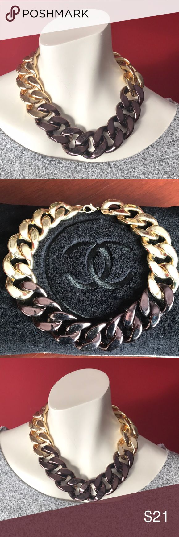 2 toned chunky chain necklace Eye catching & versatile Jewelry