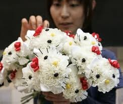 hello kitty flowers.... hmmm... i could use tissue paper?