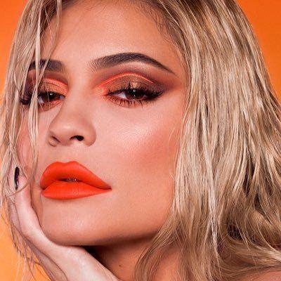 #Kylie Jenner profitiert von ihrem viralen Aufstieg und Glanzmoment #Kylie siliconeer.com / ….   – Siliconeer Digital Collection