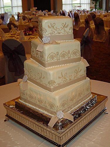 Cake wedding and Wedding bun