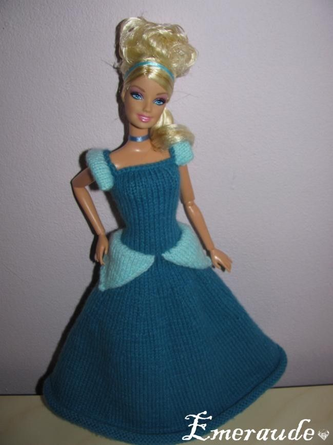 17 best images about knitting for dolls on pinterest - Barbie en princesse ...