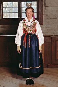 Om brudkläder från olika tidsperioder och delar av land | Skansen Museum & Zoo - traditional festivities and markets