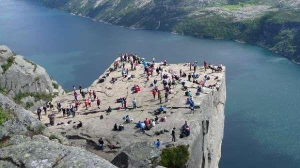 Le indicazioni di viaggio fornite da Google Maps ha portato diversi turisti presso il villaggio di Fossmork, in Norvegia. La reazione dei residenti